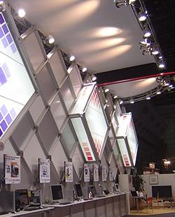 該公司活用UCJV300-160的「系統展示」